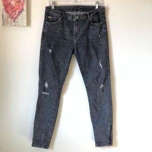 Zara distressed denim skinny jeans - size 10